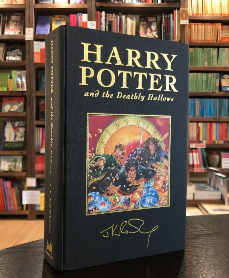 Harry Potter and the Deathly Hallows. J K. Rowling.